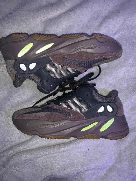 6a304d7026e Adidas Yeezy 700 mauve Size 8.5 - Low-Top Sneakers for Sale - Grailed