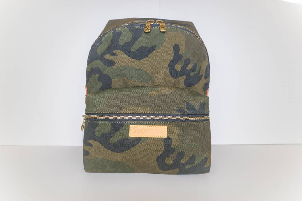 9dbc408dbd9d Supreme Louis Vuitton x Supreme Camo Apollo Backpack Size one size ...
