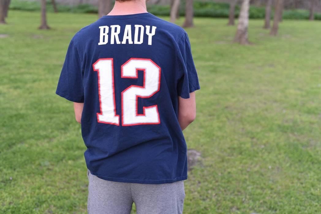 318ddabaadab Nike New England Patriots Tom Brady Nike T-Shirt Size xxl - Short ...