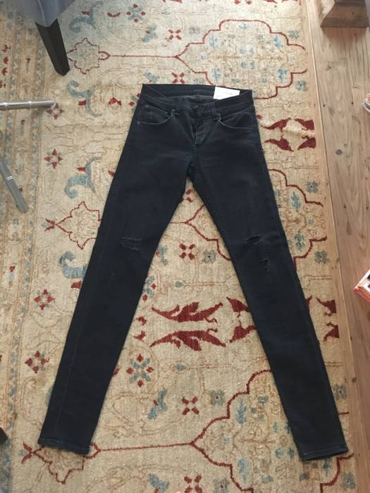 8272011ccc39 Rag & Bone Rag & Bone Skinny Jeans in Rock With Holes Size 30 ...
