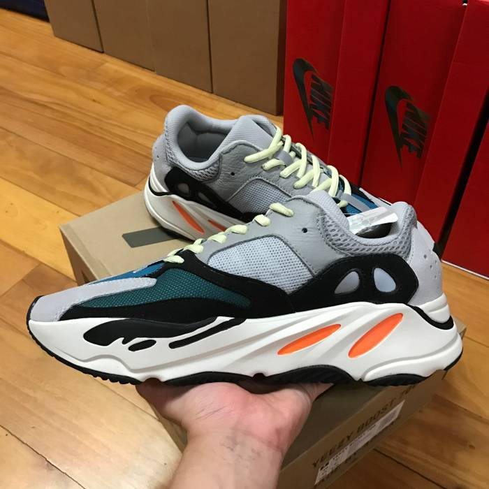 4c6b939bf Adidas Kanye West Adidas Yeezy 700 Wave Runner Auth