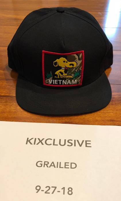Supreme Vietnam Snoopy SnapBack Hat Black Size one size - Hats for ... 95a3bbfe1b7