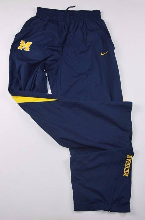 73a0631d61cc Nike Vintage Small Nike Michigan Wolverines Athletic Pants Blue Size US 30    EU 46