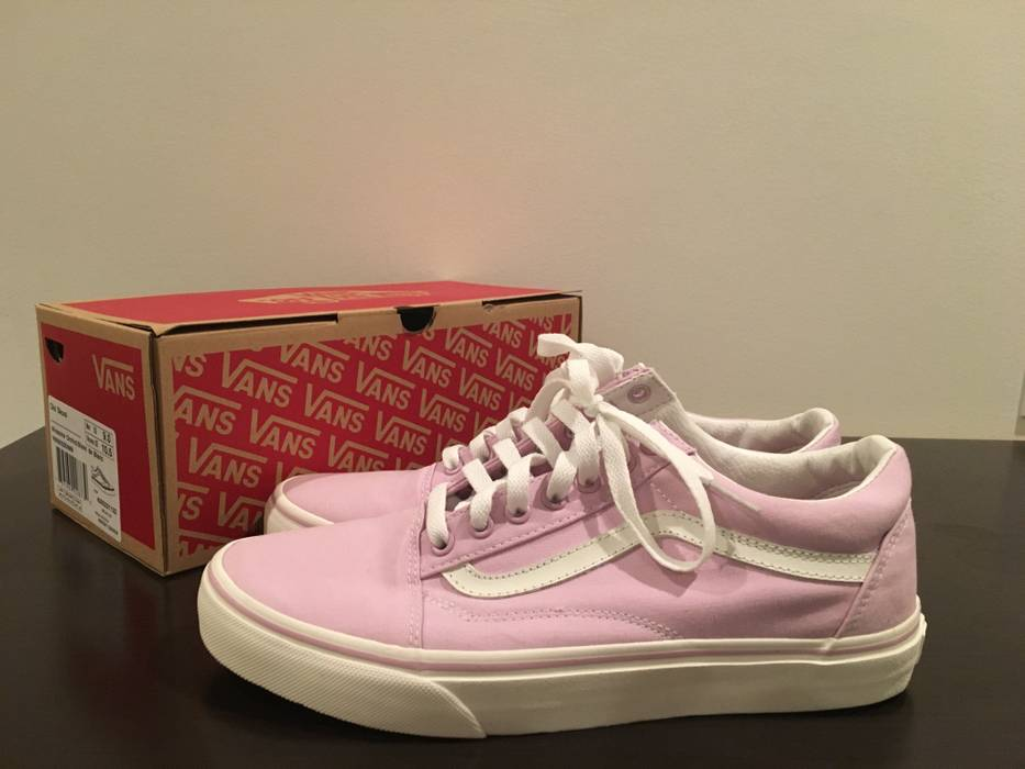 09b7c28e2d Vans Old Skool in Winsome Orchid Size 9 - Hi-Top Sneakers for Sale ...