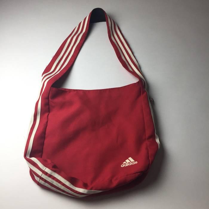 ab0a72a19e2a Adidas Adidas 90 s Vintage Messenger Bag Crossbody Shoulder Red White 3  Stripes 15Lx15W Size ONE SIZE