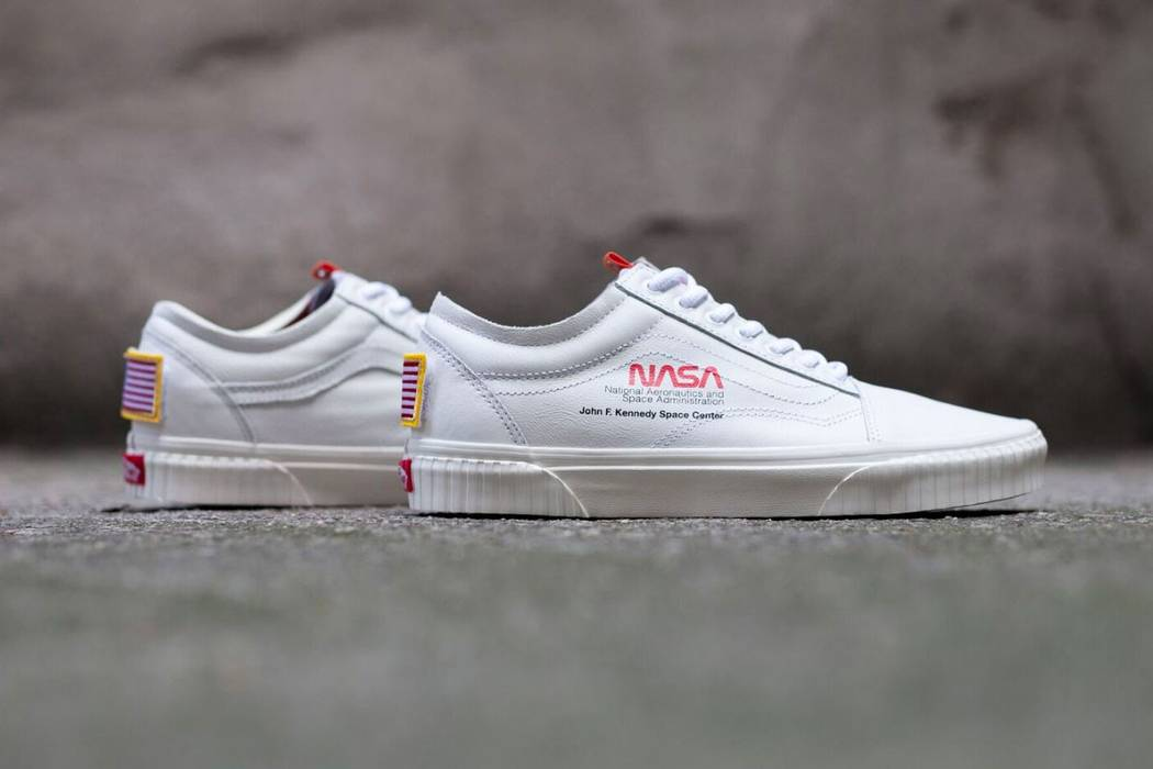 3009570fc151 Vans NASA x Vans Old Skool Space Voyager True White (Size US 11