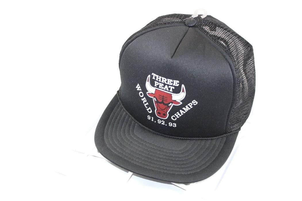 Vintage Deadstock SAN SUN Chicago Bull 91 92 93 Three Peat Michael ... 3a79c2f15a0