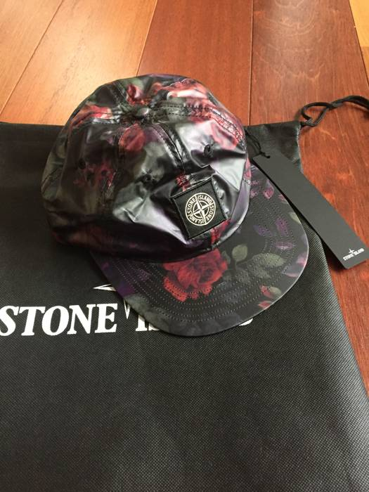cf5d2a295b5 Supreme Stone island Supreme Black Floral 6 panel cap Size one size ...