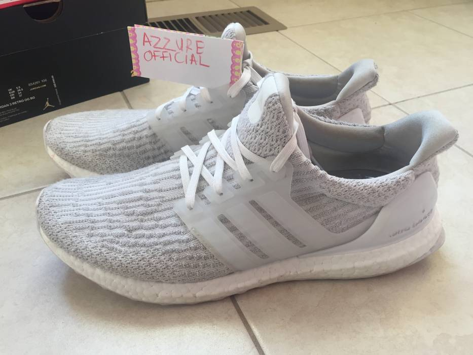 f326e60ff41 Adidas Triple White Ultraboost 3.0 Size 10 - Low-Top Sneakers for ...