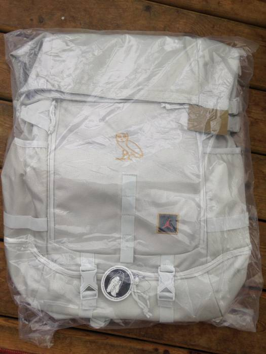 faae8666ecbf Nike LAST DROP OVO x Air Jordan Top Loader BackPack Bag RARE white gold  octobers very