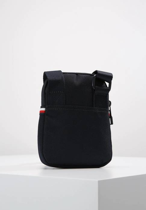 Tommy Hilfiger Classic Colour Tommy Hilfiger Body Bag Pouch