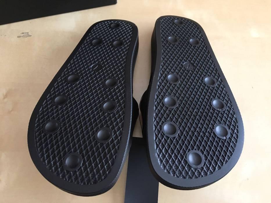a3fbaf308c24 Adidas NEW ADIDAS RAF SIMONS BUNNY ADILETTE SLIDE Size 7 Size US 7   EU 40