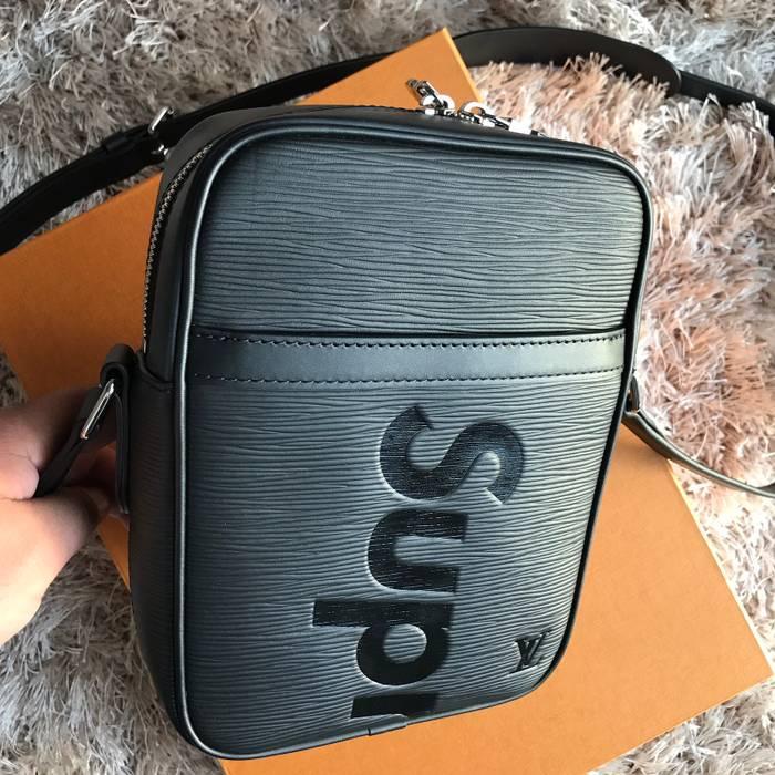 c01b8348ed60 Supreme Louis Vuitton X Supreme Black Epi Leather Danube PM Cross Body Bag  Size ONE SIZE