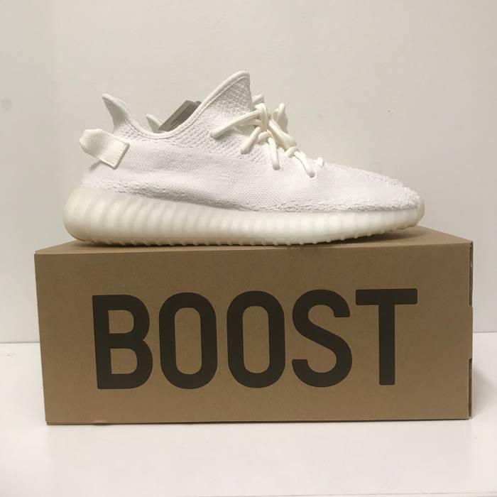 5e810de46fd5d3 Kanye West Adidas Yeezy Boost 350 V2 Triple White Cream Size 10.5 Size US  10.5
