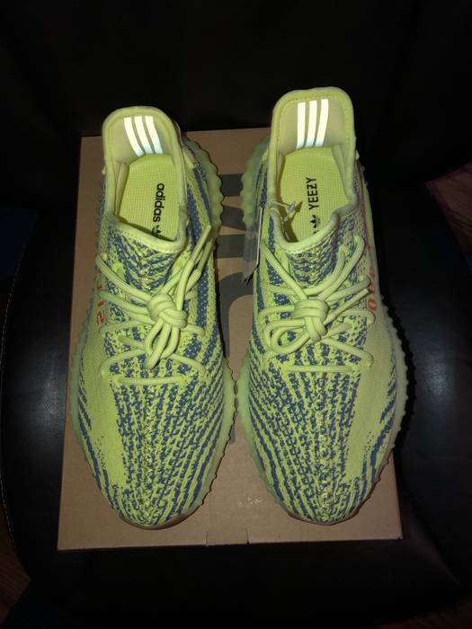 8949162a3e5 Yeezy Boost STEAL (VNDS) Semi-Frozen Yellow Yeezy Boost 350 V2 Size ...