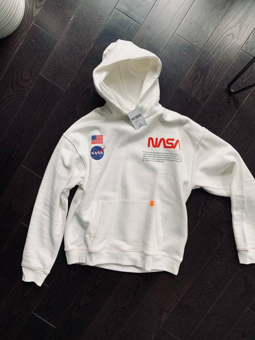 1d6091c751 Forever 21 Forever 21 NASA Hoodie Size l - Sweatshirts   Hoodies for ...