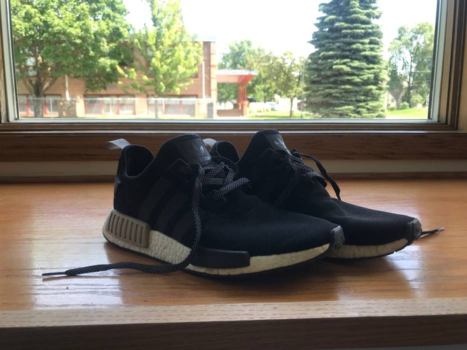 Adidas ADIDAS NMD R1 BLACK TAN Size 10 - Low-Top Sneakers for Sale ... dfdd6da31915