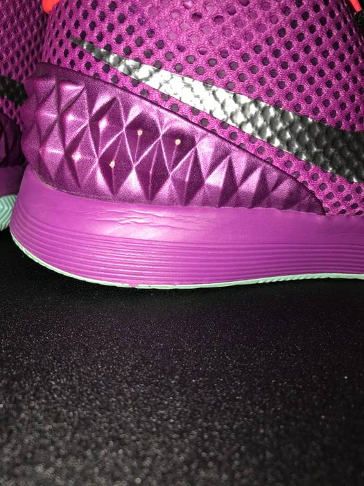 3e95ce6c6b6f Nike Kyrie 1 Easter Size 8.5 - Low-Top Sneakers for Sale - Grailed