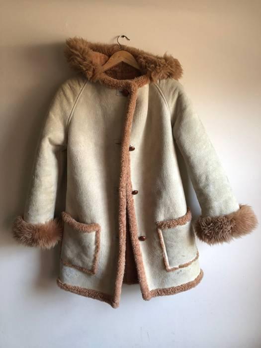 c9857909709 Luxury Shearling Raglan Sleeve Beige Cozy Arctic Coat Size US S   EU 44-46