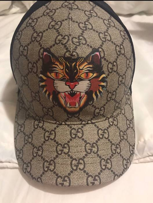Gucci GG Supreme ANGRY CAT HAT Size one size - Hats for Sale - Grailed 08a8bb2e2394