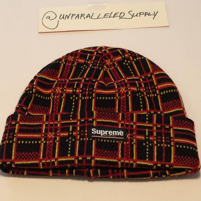 Supreme Plaid Beanie Size one size - Hats for Sale - Grailed 141ac9fa7c8