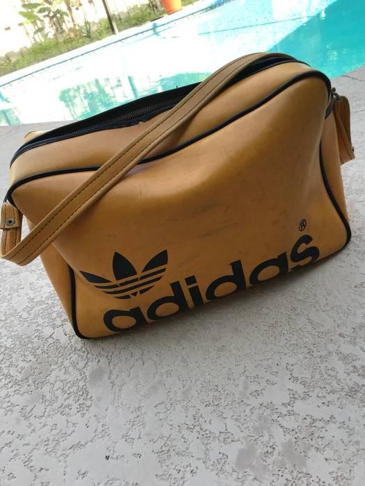 fb30e4faeb Adidas Vintage 70s Adidas Leather Gym Bag Size one size - Bags ...