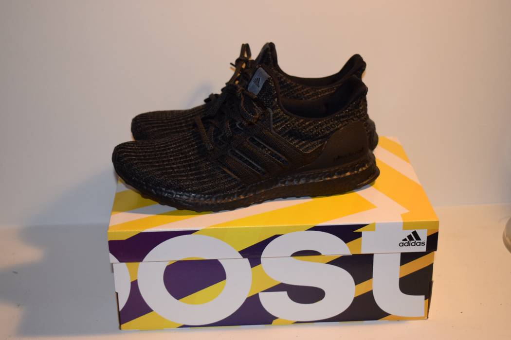 1327c5975123e Adidas Ultra boost triple black 4.0 Size 8 - Low-Top Sneakers for ...