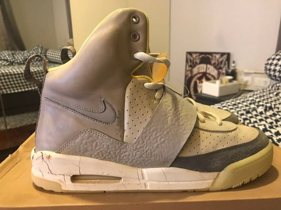 5617dc4c47a30 Nike Air Yeezy 1 Zen Grey Size 10 - Hi-Top Sneakers for Sale - Grailed