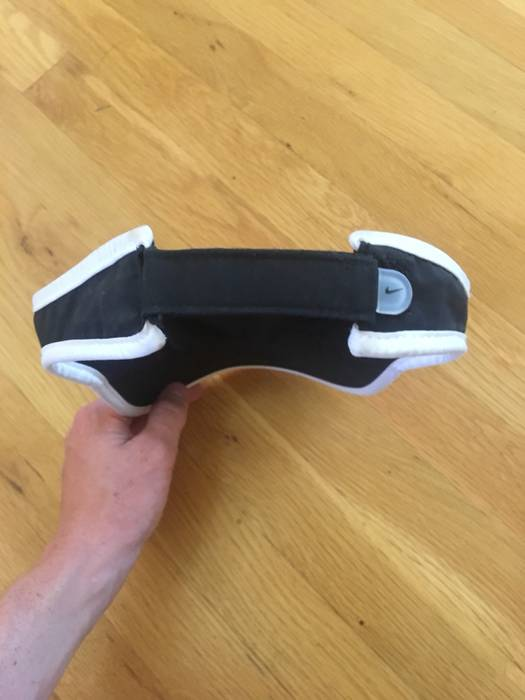 Nike Nike Swim Visor Size one size - Hats for Sale - Grailed e1257aa02ab4