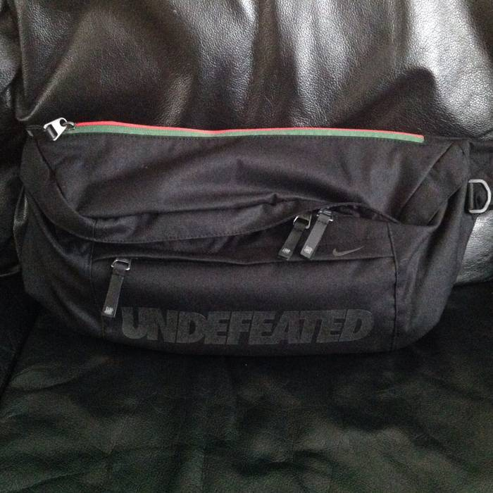 dbb71ec427 Nike Supreme X Undefeated 3M Black Messenger Shoulder Bag Air Max 97 Size  ONE SIZE