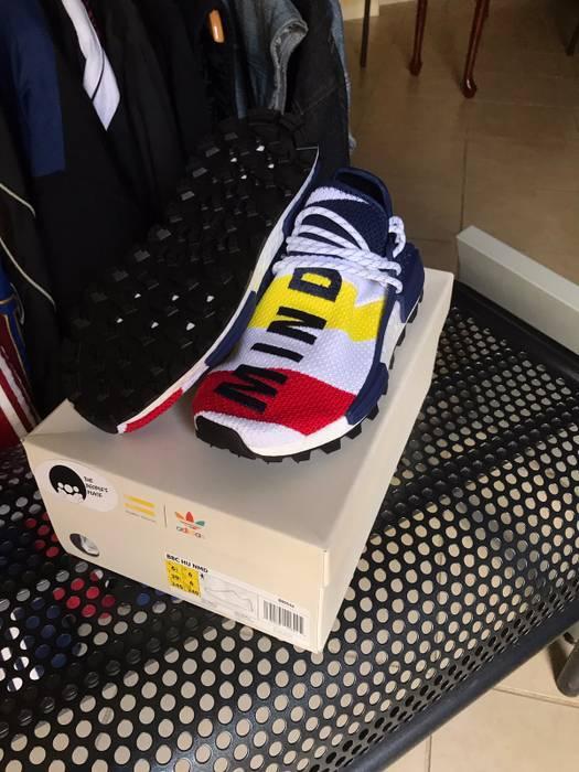 13eebb58c Adidas Brand New Adidas x Pharrell x BBC NMD Human race MultiColor Size US  6.5