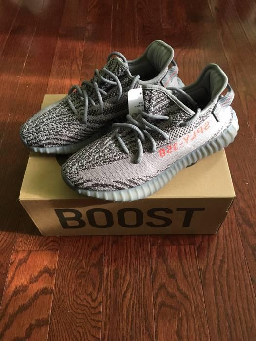 b0c7dfdd3 Adidas Kanye West. Yeezy Boost 350 V2 Beluga 2.0. Size  US 8.5   EU 41-42