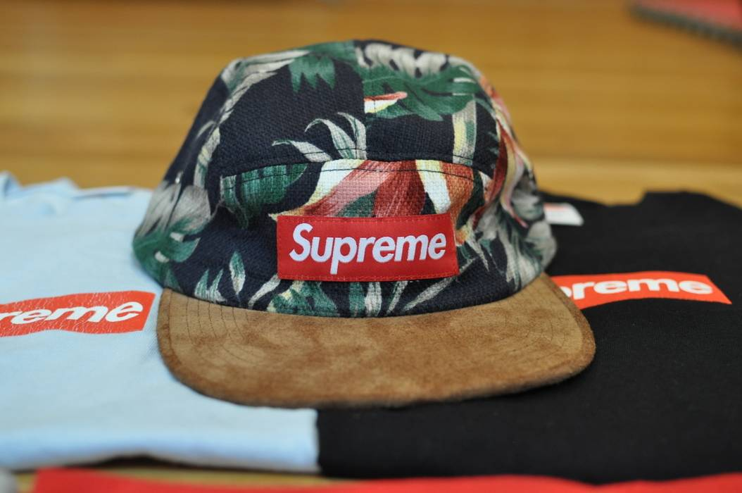 Supreme Navy Floral Camp cap 5 panel Size one size - Hats for Sale ... 8a660f244a1
