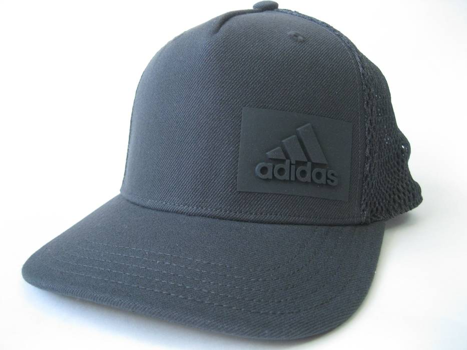 Adidas H90 Snapback Trucker Hat Carbon CF4880 Size one size - Hats ... a902476d459