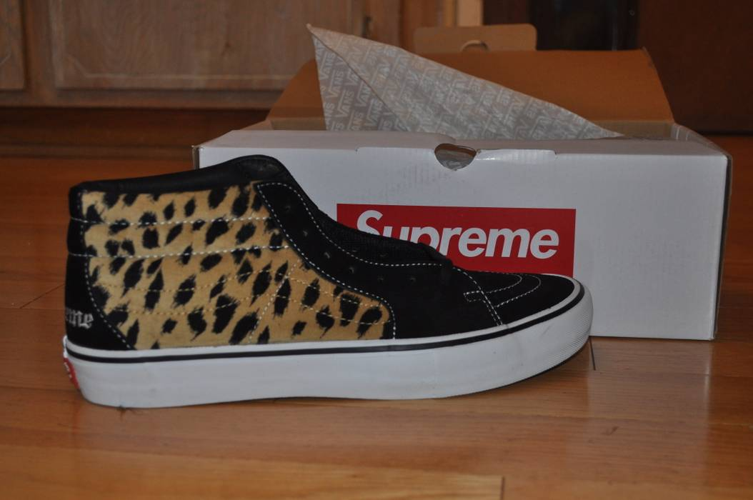 8f25bc1ba4 Supreme Supreme Vans Velvet Leopard Sk8-Mid Pro (Black) Size 13 - Hi ...