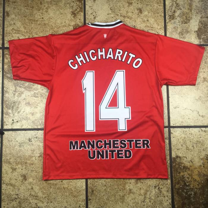 Manchester United Chicharito Manchester United Jersey Size US L   EU 52-54    3 3fc0b3a5c