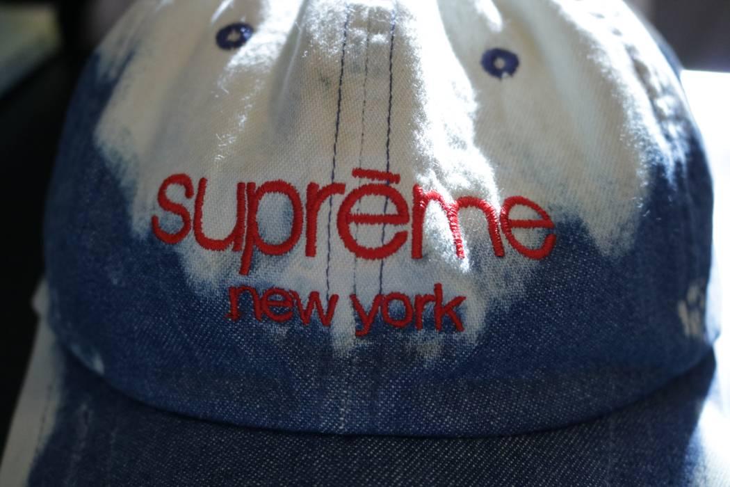b0ebb7089e3 Supreme SS16 Twill Classic Logo 6-Panel Bleached Denim Size one size ...