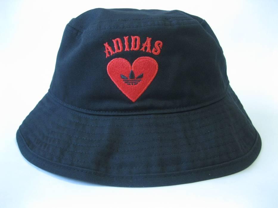 Adidas V-Day Bucket Hat EK4794 OSFM Size one size - Hats for Sale ... 8abe8b5cce