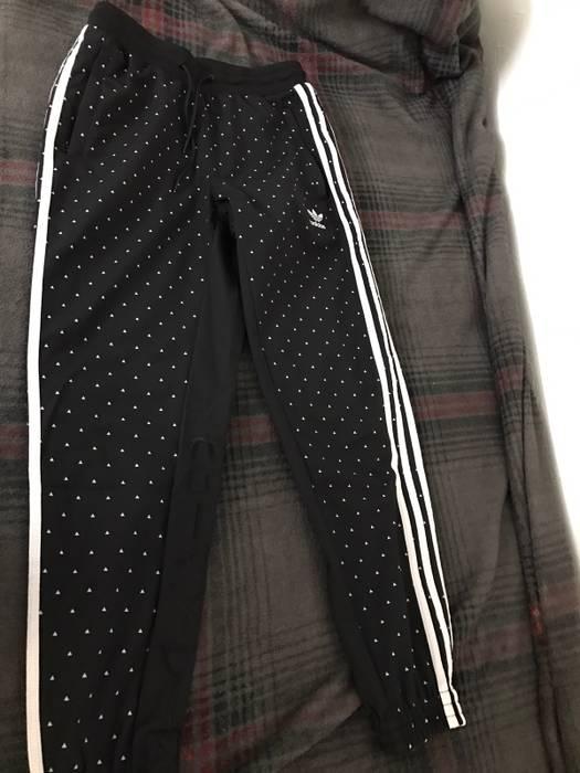 51d6e2643434d Adidas Pharrell Adidas Carrot Track Pants   Jogger Size US 30   EU 46 - 2