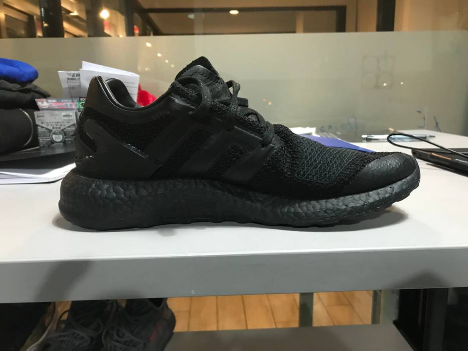 5704d1f99 Adidas Y-3 Pureboost Triple-Black Size 8.5 - Low-Top Sneakers for ...