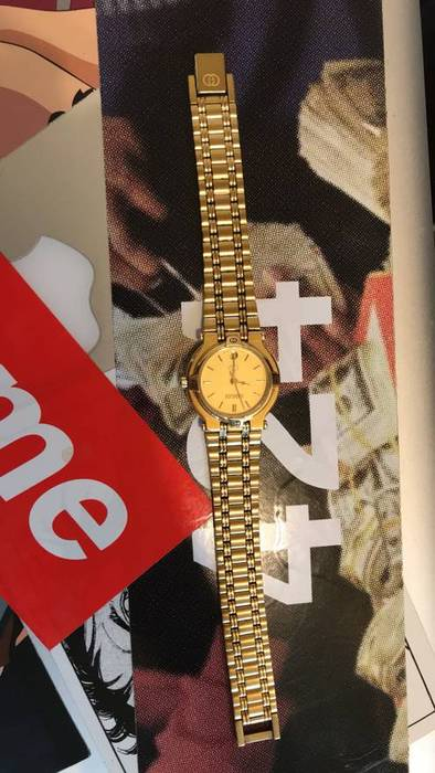 4ba3fc2602c Gucci All Gold Gucci Watch 9200L Size one size - Jewelry   Watches ...