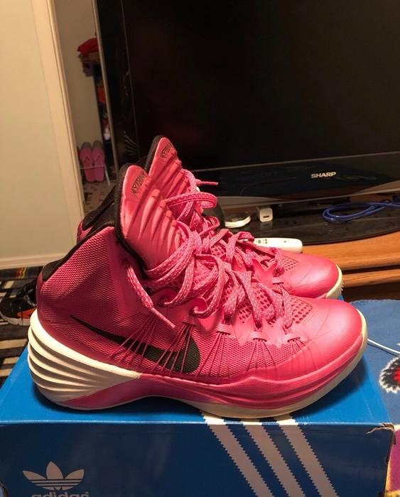 Nike Nike Pink Hyperdunks 2013 Size 8.5 - Hi-Top Sneakers for Sale ... 93516f86e