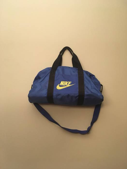 Nike Vintage Nike Duffle Bag Size one size - Bags   Luggage for Sale ... 9cdeb9bc6