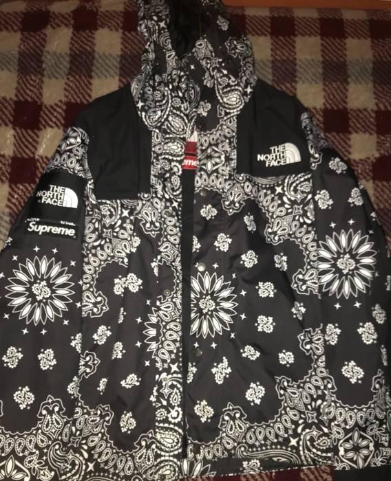 Supreme Supreme x The North Face Bandana Jacket Black Size US M   EU 48- 37138ffd3