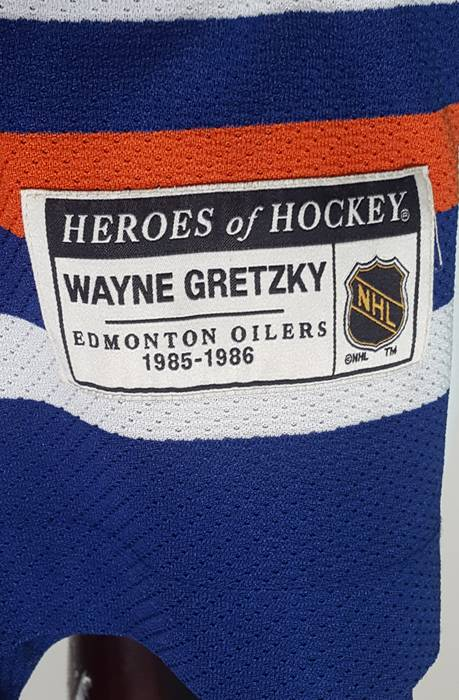 Vintage Vintage CCM Heroes of Hockey Wayne Gretzky Oilers Hockey Jersey NHL  Size US S   ab011757f
