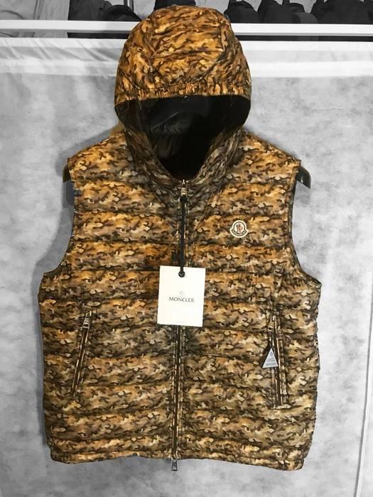 fee00f0cb Moncler new moncler patrick camo down gilet vest - 4 Size xl - Vests ...