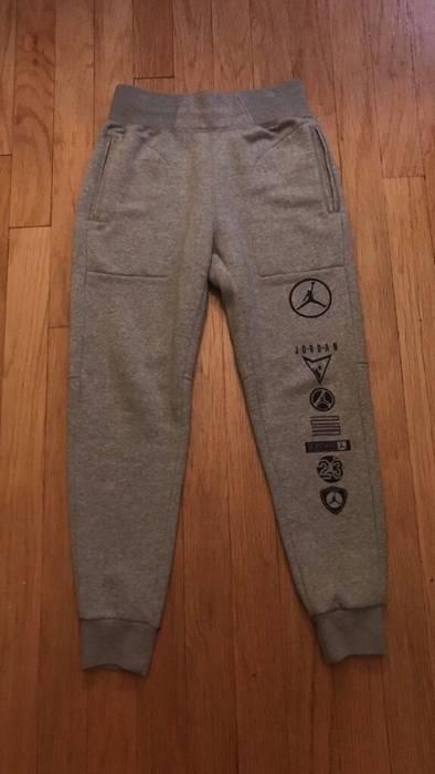 2954eb0722ab Nike Nike Air Jordan Brand Varsity Sweatpants Joggers Size M Size US 32    EU 48