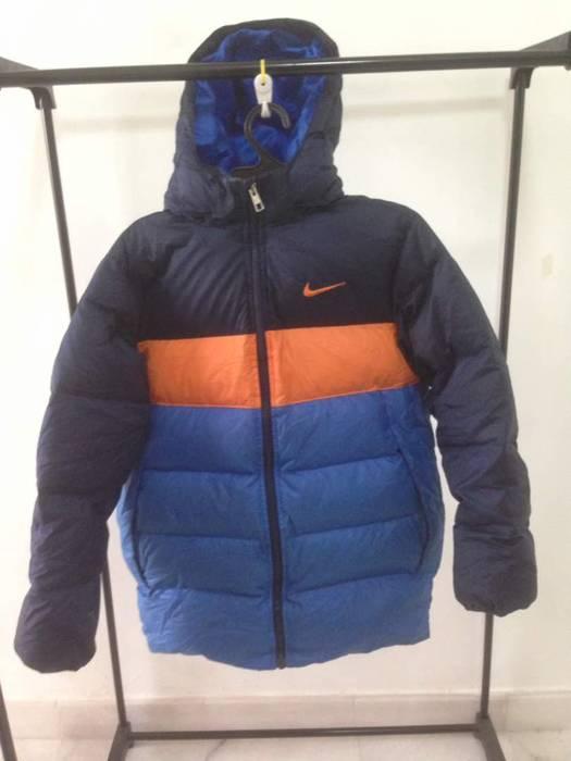 Nike Nike bubble jacket Size l - Sweaters   Knitwear for Sale - Grailed c5ef5f299