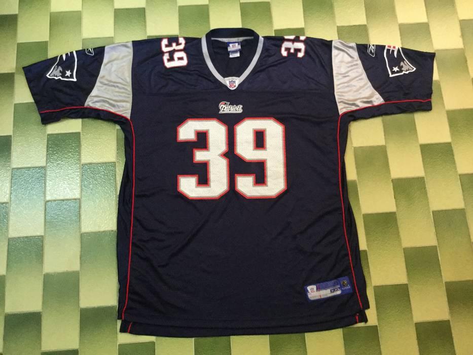 63340e1fc52 ... Football Jersey Size L American. Vine Nfl Reebok New England Patriots  Laurence Maroney 39
