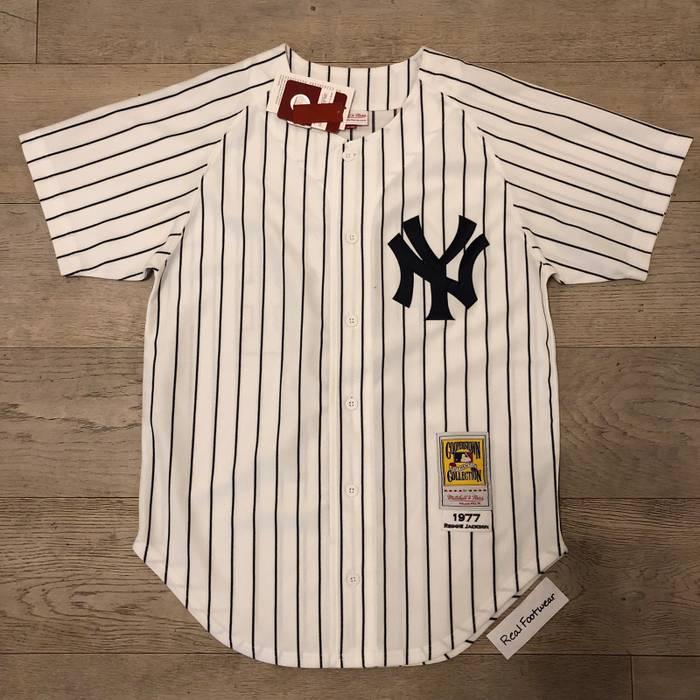 Mitchell   Ness. Mitchell   Ness New York Yankees Reggie Jackson Jersey ... faeef2b029e